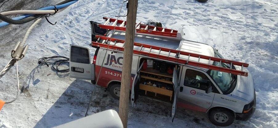 Jaco Électrique en Ligne