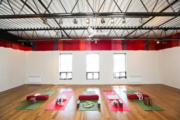 Studio De Yoga Tout Le Monde En Forme En Ligne